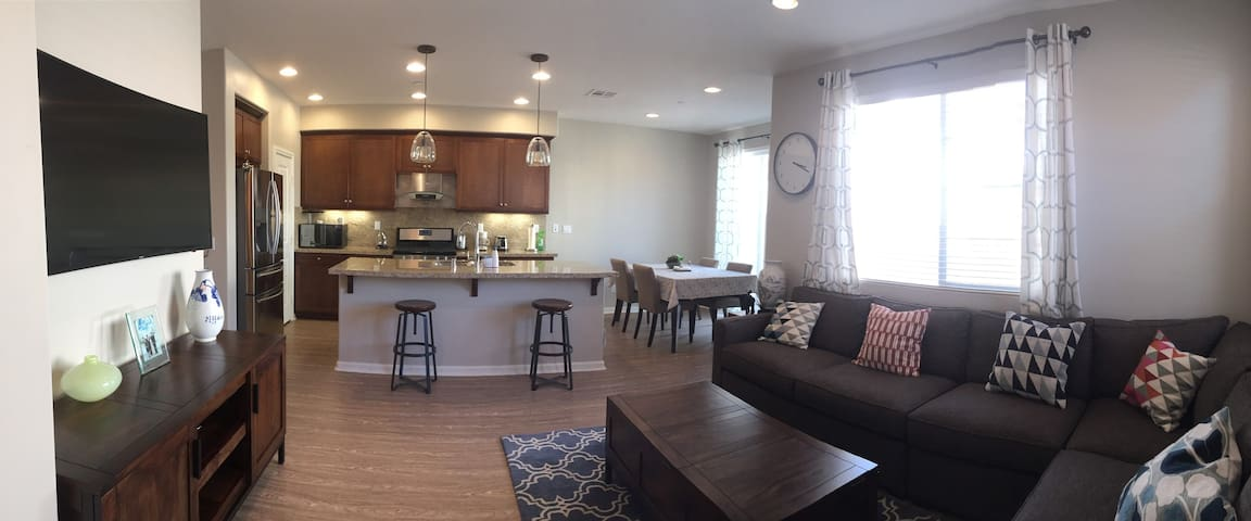 New Condo in Heart of Temecula (min. 30 days)