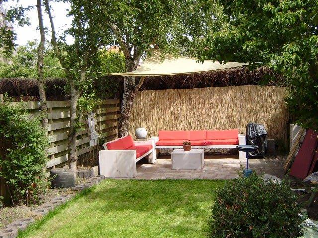 Prettig ruim vakantiehuis, grote tuin. Duin en zee - Castricum - Casa