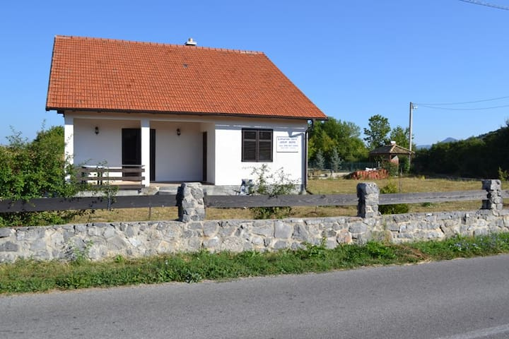 Agro tourism Lika - Sv. Rok - Lovinac - Rumah