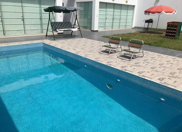 Casa en Playa Los Lobos linda grande y con piscina