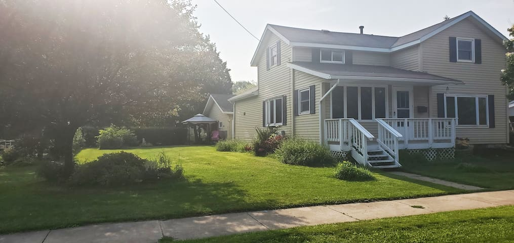 Comfy and Relaxing 3 bed, 2 bath Home