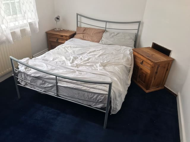 Private room in a shared house in Selly Oak