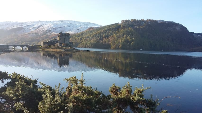 Highland Bungalow. 3 mins walk from Eilean Donan.