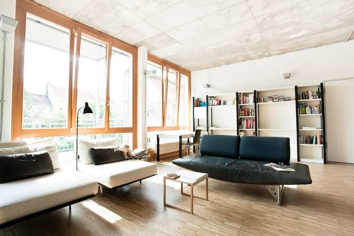 Private Room w/ own bath in Design Mitte Loft