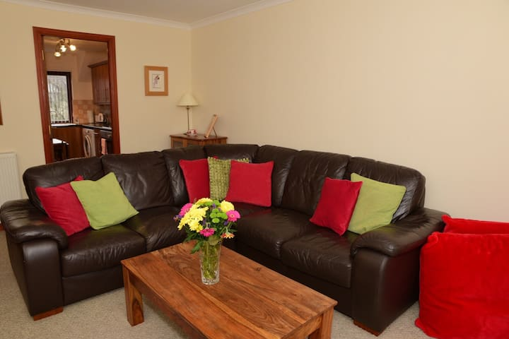 Comfortable, Cosy Apartment in Picturesque Village