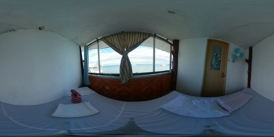 SHRV, Triangle room for rent at El-Paradiso resort