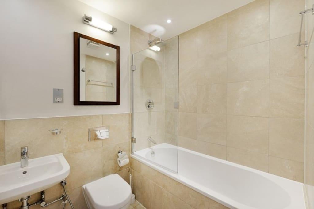 Hallway Shared Bathroom