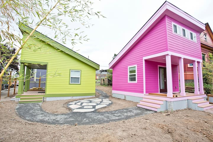 Pink House off Mississippi-ask for DEALS 4-6nights