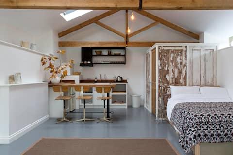 The Barn and Shepherds hut, Bruton Somerset