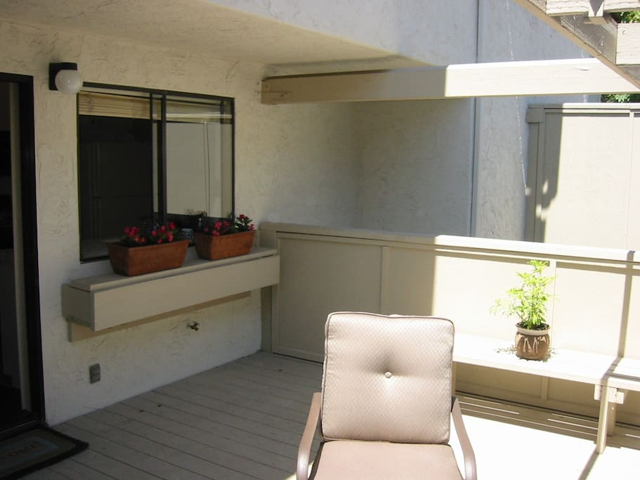 Private deck/balcony