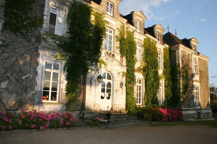 15 hôtes au chateau de Montaupin