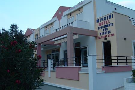 Apartment für 2-3 Personen in Strandnähe - Agios Isidoros - Byt se službami (podobně jako v hotelu)