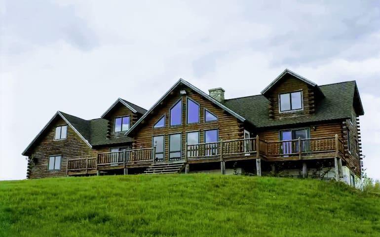 Rustic Retreat Lodge LLC