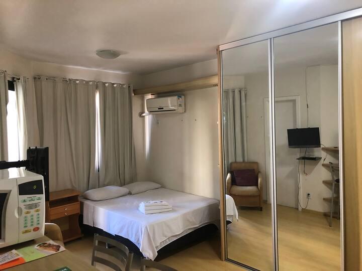 Lindo Apartamento, em frente parque da Redenção.