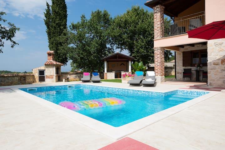 Villa Luna with pool,Dračevac-Poreč - Dračevac - Vila
