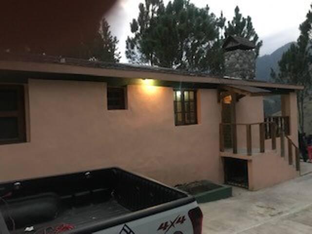 Monteadita: Cabaña ubicada en Valle Nuevo, SJ Ocoa