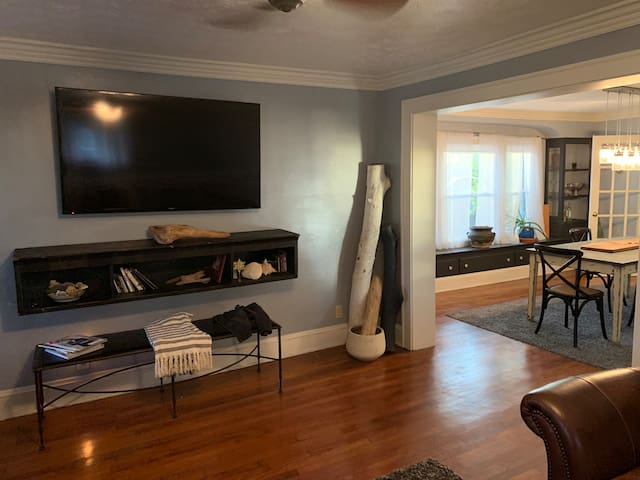 Amazing Updated Tremont Entire Home