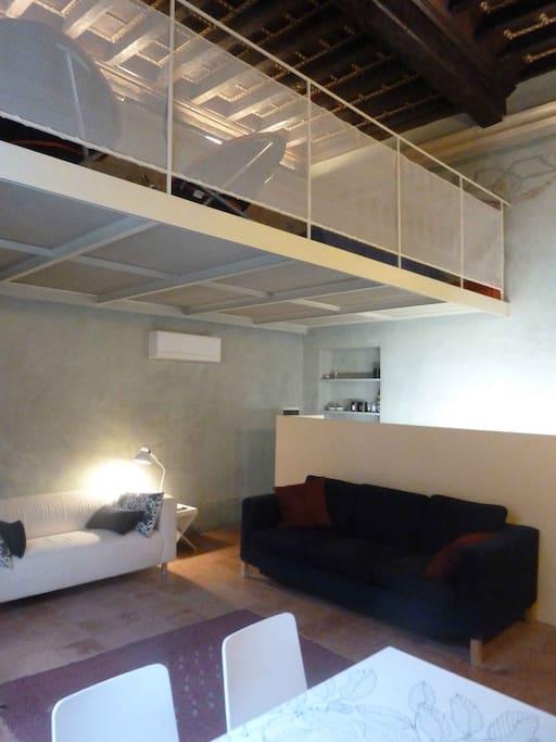 Appartamento b12 in palazzo storico appartamenti in for Appartamenti in affitto modena