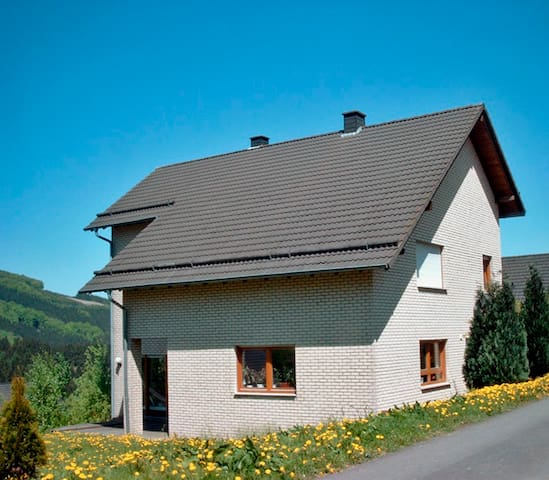 Holidays in the land of 1000 hills - Bestwig - Wohnung