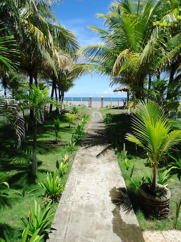 Casa Familia Roberts Sequeira, Roberts Beach Home - Poneloya - Rumah