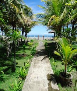 Casa Familia Roberts Sequeira, Roberts Beach Home - Poneloya