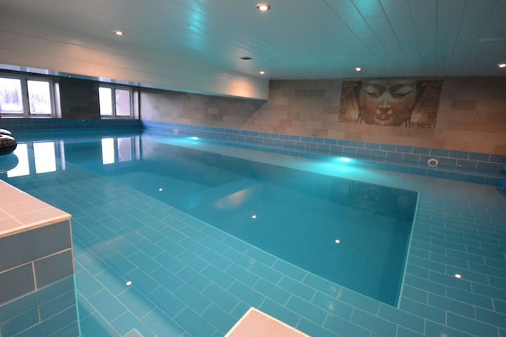 Rural apartment with pool, sauna, gym near the beach