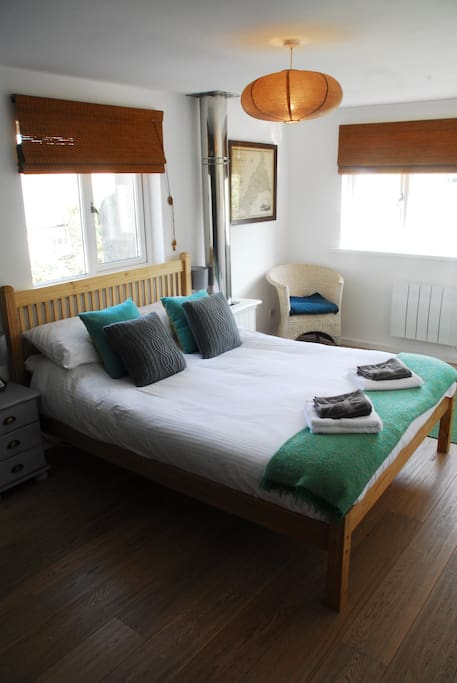 Large king size bedroom with really comfy bed.