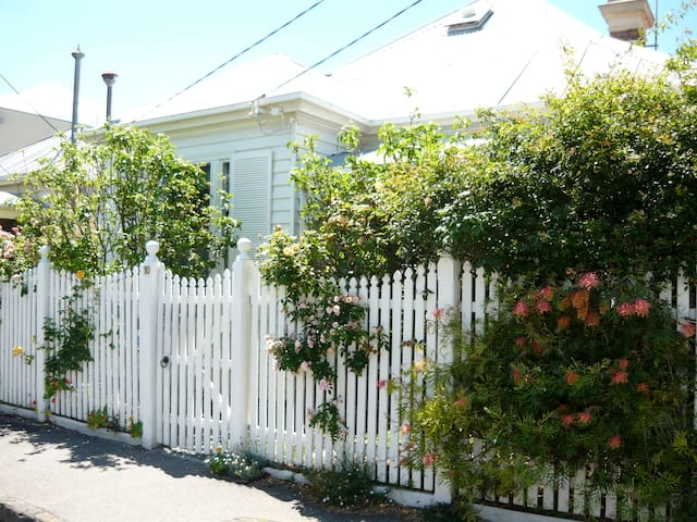 South Yarra Central-sunny B & B - Yarra del Sur - Bed & Breakfast