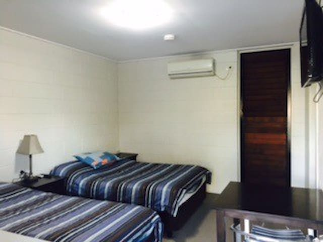 Spacious Weeroona Hotel Rooms. Short or long term - Goodna - Inny