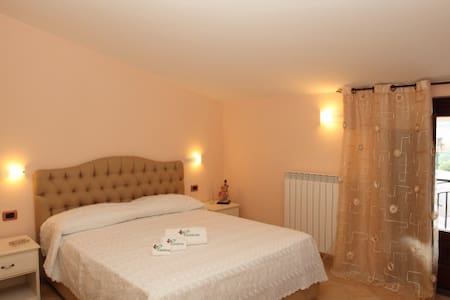 piedirosso - Pietre - Bed & Breakfast