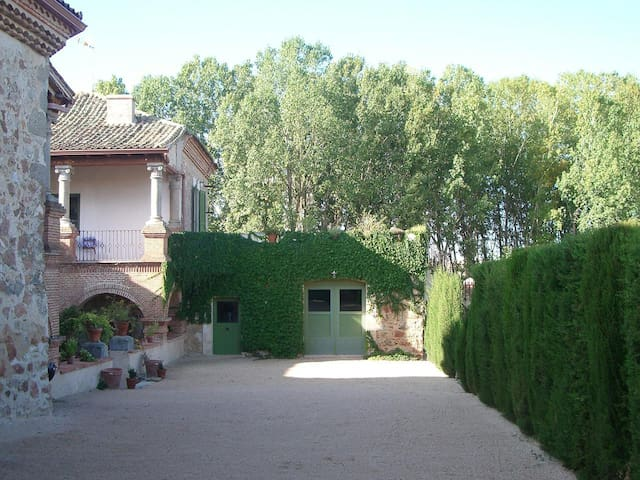Palacio de Hoyuelos, Poniente 4 p - Santa María la Real de Nieva - Huis