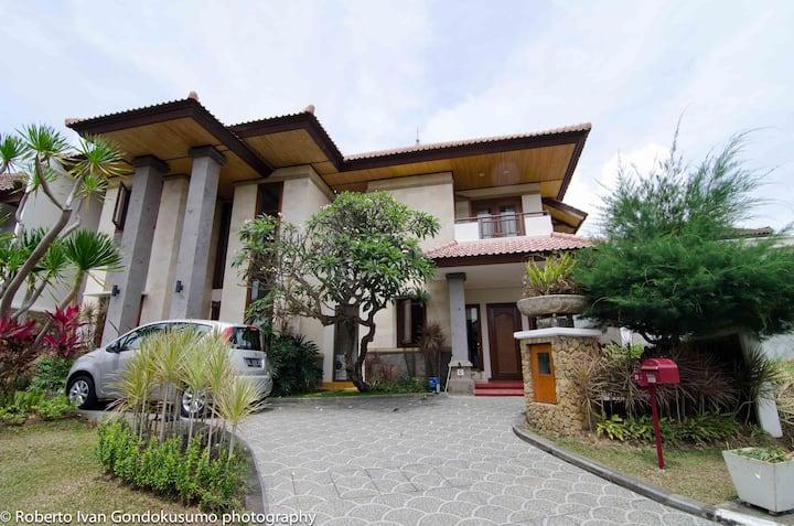 巴厘岛的两间卧室公寓!