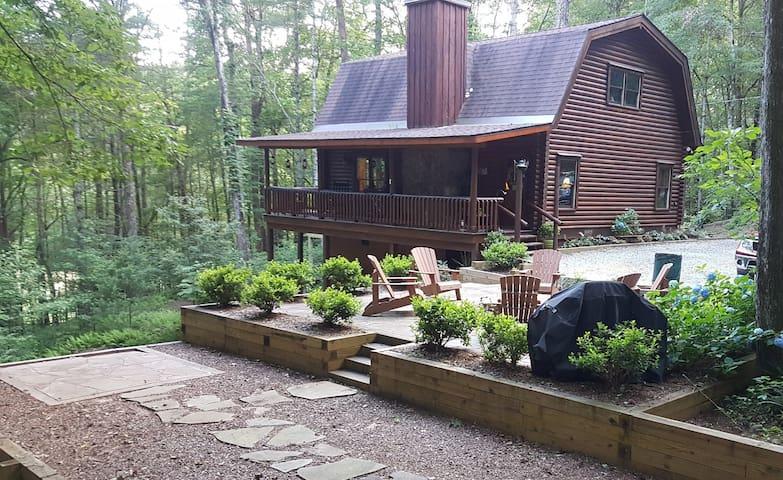 The Appalachian - Rustic get-away