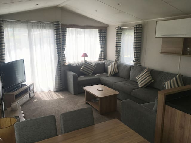 Overstone Lakes Luxury Static Caravan