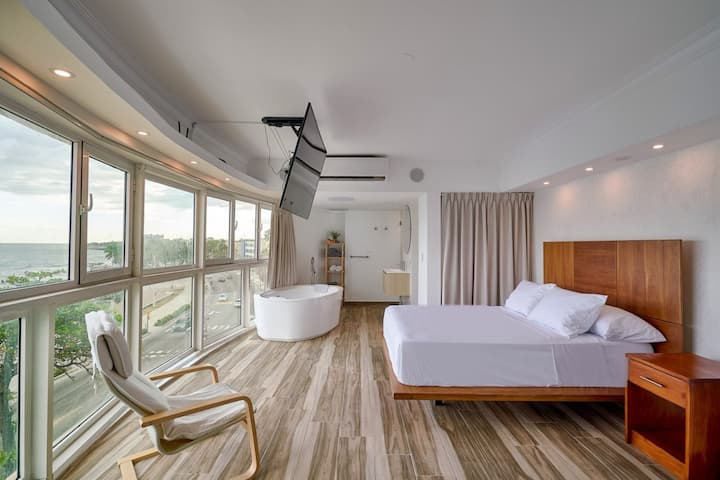 Ocean View - Loft Minimalist Modern 1 bedroom