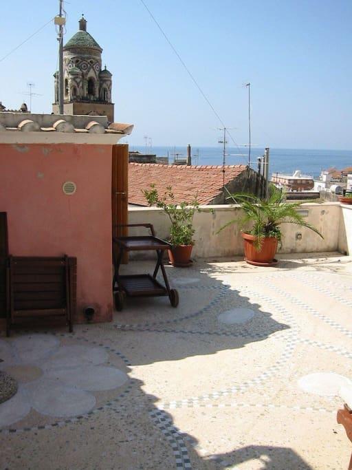 Terrazzo con vista mare e vista duomo di Amalfi