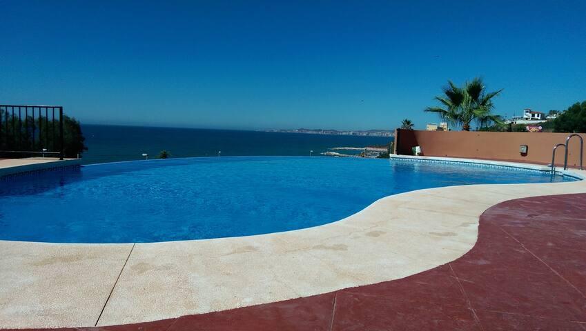 Spacious 3-floors  house near  the sea with garden - Benalmádena - Casa