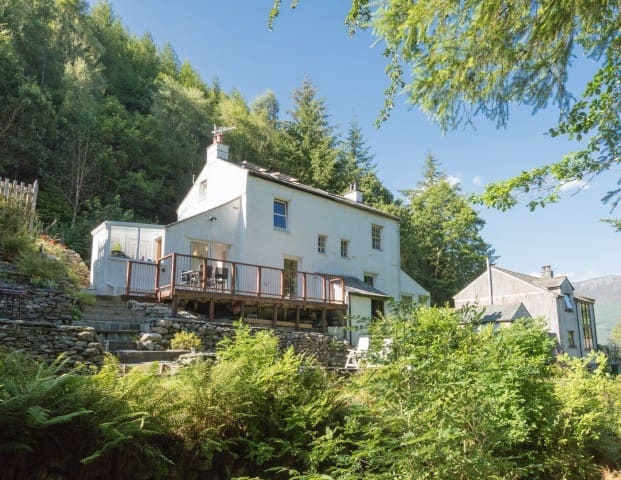 Riverside Cottage, idyllic setting & Skiddaw views