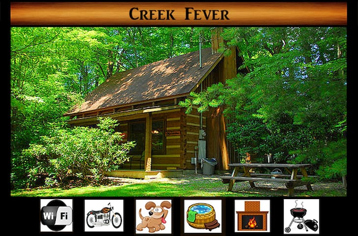 Creek Fever} Creek Views \  Hot Tub \ Pet Friendly \ Fireplace \ Wifi