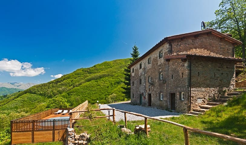 Amazing Paceful 1772 stone house - Corsagna, Lucca - Cabaña