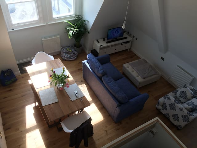Beautiful central seafront apartment 2beds/baths