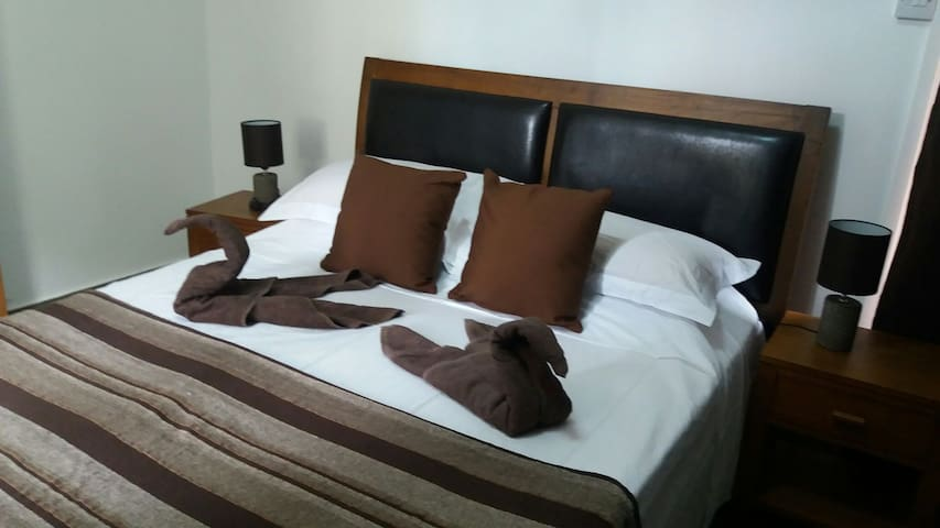 Private room at grand bay mru. - Grand Bay - Bed & Breakfast