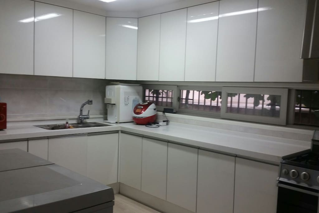 Guests can use this kitchen freely~~.