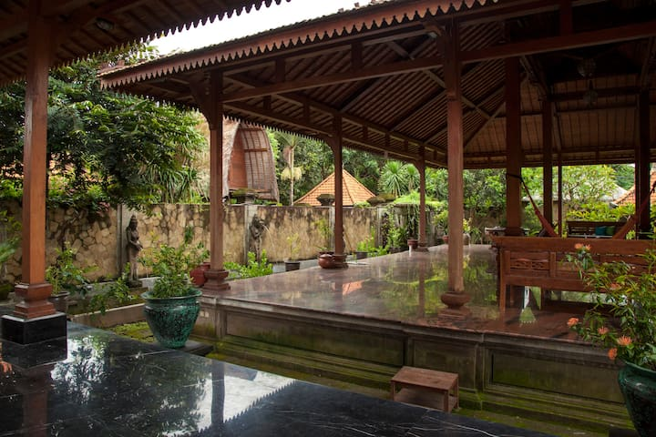 Authentic Traditional Balinese Near Keramas Beach