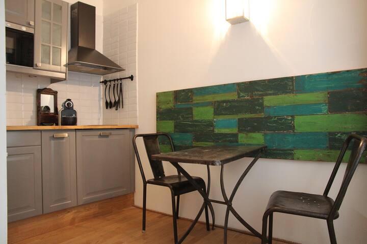 New Listing, Great Value in the Heart of Paris - Paris - Apartemen