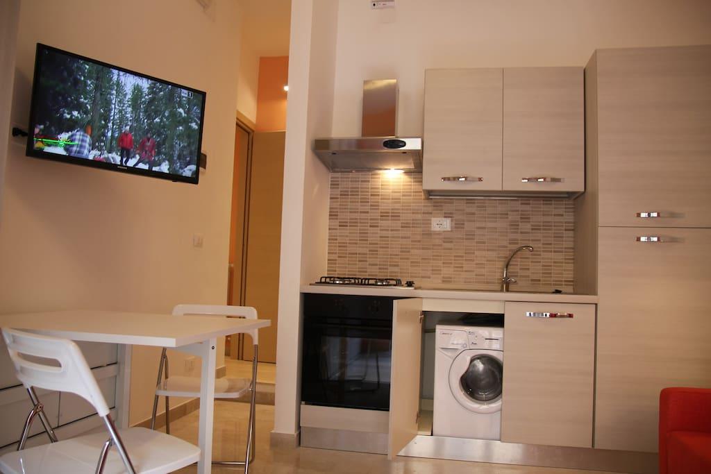Monolocale con angolo cottura in centro appartamenti in for Monolocale catania