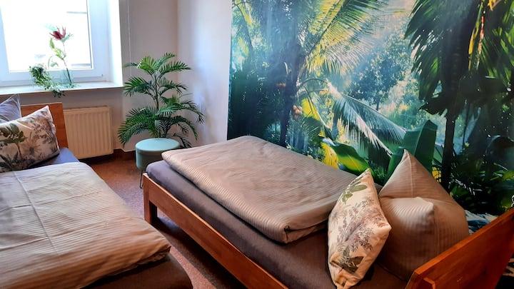 Ferienwohnung 1 - Fam. Schmidt Tropical Bedroom