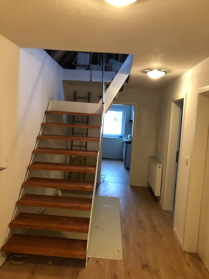 Voll möblierte  Maisonetten Wohnung in Böblingen