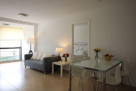 Santa Cruz 1-bed ocean-view apt., 4G WiFi - Santa Cruz de Tenerife - Apartment