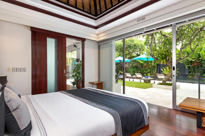 3BR Premium Villa w Pool near beach in Jimbaran